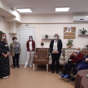В Центъра за грижа за възрастни хора в невъзможност за самообслужване в Свищов отбелязаха за първи път Международния ден на възрастните хора