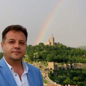 Великденски поздрав от Даниел Панов