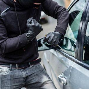 Двама арестувани за кражби от леки коли във В. Търново