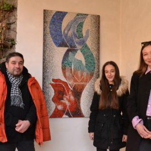 Две студентки направиха мозаечни пана за сградата на СБХ във Велико Търново