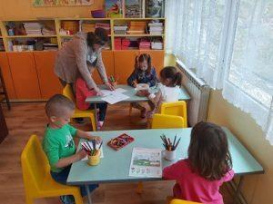 Детските градини във В. Търново отвориха при спокойна обстановка и стриктна организация