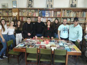 Книги дариха от Младежкото обединение в БСП в Дебелец
