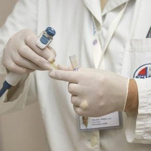 Коронакризата доведе до голямо търсене на здравни инспектори