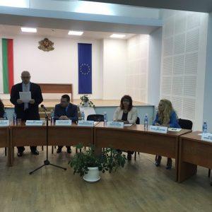 """Кръгла маса """"Библиотеките днес и тяхното бъдеще"""" се проведе днес в Свищов"""