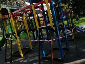 Монтират нови детски съоръжения на няколко места във Велико Търново