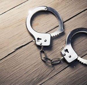 Мъж преби жена си, пътен хулиган арестуван в старата столица