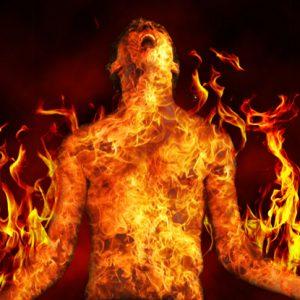 НЕЧОВЕШКО: Запалиха Георги за забавление и го захвърлиха на тротоара