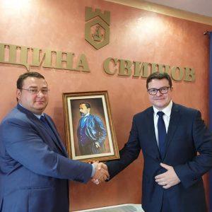 Посланикът на Великобритания в България Н. Пр. Роб Диксън бе гост на Община Свищов