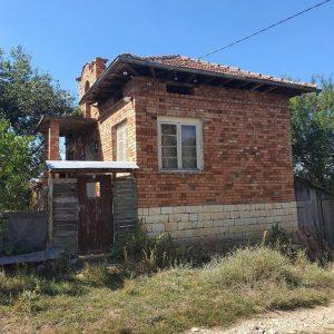 Празни къщи в целия регион чакат желаещи да ги обитават безплатно
