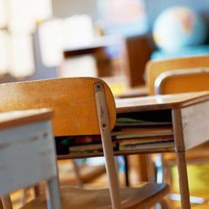Разрешават практическите занятия на учениците от V до XII клас и на студентите