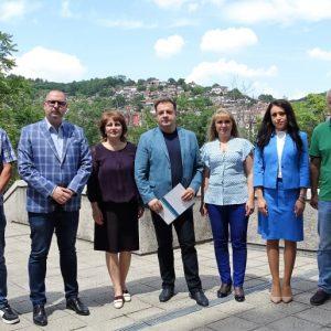Коалиция ГЕРБ-СДС регистрира листата си във Велико Търново